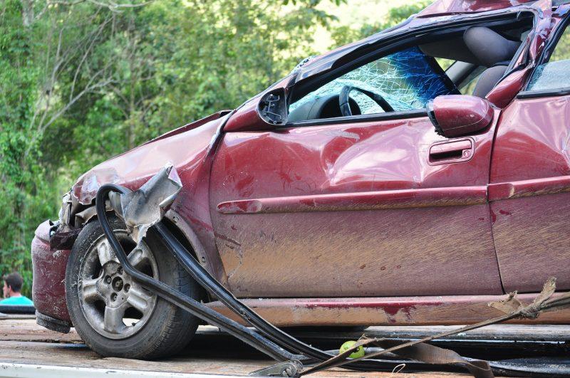 Automóvil accidentado