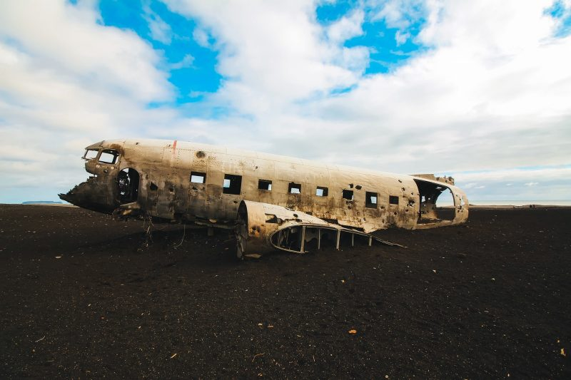 Restos de avión accidentado