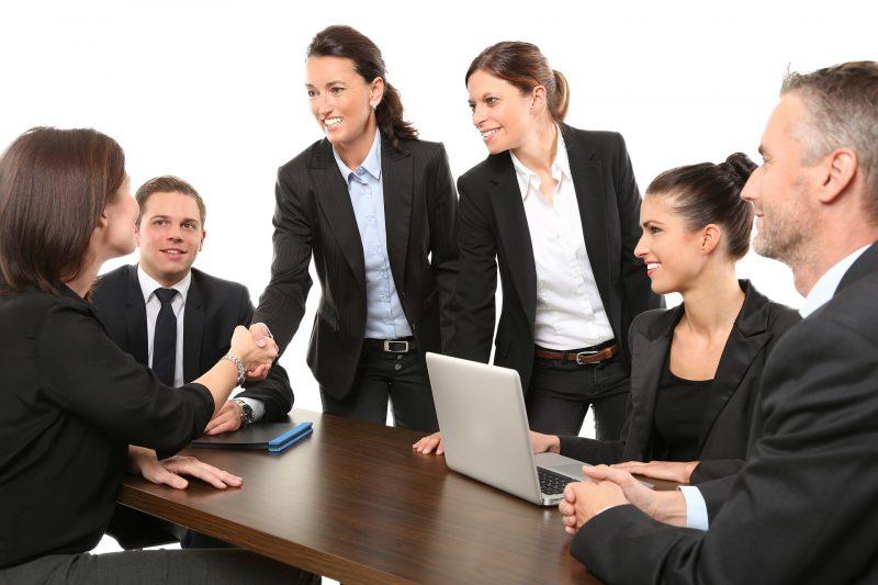Reunión de negocios y toma de decisiones